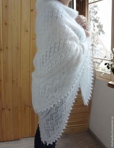 Ручной вязки пуховая белая шаль! Русские народные промыслы http://www.livemaster.ru/shalizpuha