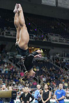 Gymnastics Flexibility, Gymnastics Poses, Amazing Gymnastics, Acrobatic Gymnastics, Gymnastics Photography, Gymnastics Pictures, Artistic Gymnastics, Olympic Gymnastics, Gymnastics Girls