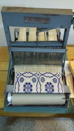 Structo loom - UCH