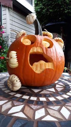 Easy Pumpkin Carving, Halloween Pumpkin Carving Stencils, Halloween Pumpkin Designs, Halloween Tags, Spooky Pumpkin, Diy Pumpkin, Diy Halloween Decorations, Carving Pumpkins, Pumpkin Ideas
