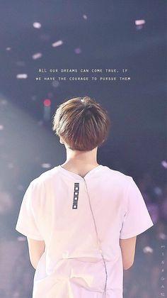 """""""Todos os seus sonhos podem se tornar realidade, se tivermos coragem de persegui-los"""""""