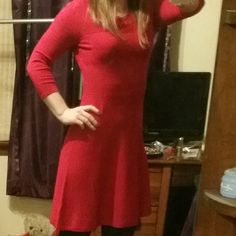 Cute red dress Beautiful, soft red dress. It has 3/4 sleeves and it hits 2 or 3 inches above the knee. Only worn twice. Excellent condition. Worthington Dresses