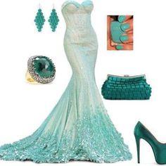 Ver más vestidos de novia de la joyería y Verde