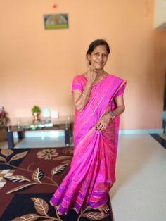 Divorce For Women, Older Beauty, Beautiful Women Over 40, India Beauty, Saree Collection, Kos, Sari, Indian, Aunt
