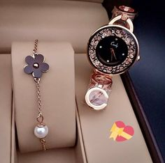 Swiss Army Watches Are So Precise! Stylish Watches For Girls, Trendy Watches, Watches For Men, Luxury Watches Women, Fancy Watches, Elegant Watches, Beautiful Watches, Rose Gold Watches, Stylish Jewelry