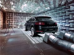 Every engine has a distinct note. For the new Porsche Macan, our engineers have developed a sound that reflects the vocal range of a true Porsche. Follow the link to treat your ears: http://link.porsche.com/exhaust-system