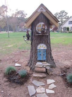 This pine tree was removed professionally. They cut it at a 45 degree angle as r. - This pine tree was removed professionally. They cut it at a 45 degree angle as requested. I built t - Fairy Tree Houses, Fairy Garden Houses, Gnome Garden, Garden Trees, Garden Yard Ideas, Garden Crafts, Lawn And Garden, Garden Projects, Landscaping Around Trees