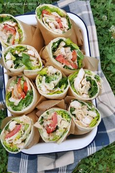 Caesar wraps - experiments from my kitchen - Lunch Recipes Wrap Recipes, Lunch Recipes, Vegetarian Recipes, Healthy Recipes, Healthy Lunches, Vegan Appetizers, Finger Food Appetizers, Appetizer Recipes, Snacks