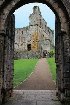 Chepstow: Gateway to Wales and the Wye Valley - British Heritage Travel
