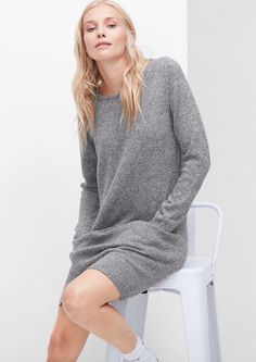 Strickkleid in Woll-Optik von s.Oliver. Entdecken Sie jetzt topaktuelle Mode für Damen, Herren und Kinder und bestellen Sie online.