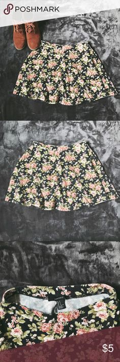 Floral Circle Skirt 🌷 Forever 21 Floral Circle Skirt 🌹 No Damage, Great Condition 💐 Size S, but it's a skirt with elastic waistband, so it's pretty versatile  SMOKE FREE HOME • FEEL FREE TO MAKE AN OFFER! Forever 21 Skirts Circle & Skater