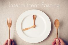 white plate with spoon and fork, Intermittent fasting concept, ketogenic diet, weight loss What Is Autophagy, Diabetes Mellitus Typ 2, 16 Hour Fast, Diabetes Information, Diabetes Management, Lose Weight Naturally, Intermittent Fasting, Fast Weight Loss, Weight Gain