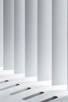 Herontdek de verticale jaloezie en zie hoe functionaliteit en een moderne, strakke uitstraling uitstekend samengaan. Kijk voor meer inspiratie op www.tencatewonenenslapen.nl en volg ons ook op Facebook