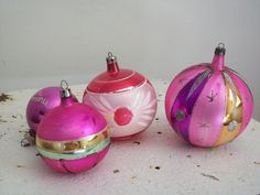 Vintage ornaments bring me to a happy place in time! :) Mattie's Menagerie via Etsy.