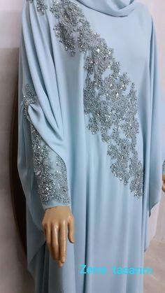 Mode Abaya, Mode Hijab, Abaya Fashion, Fashion Dresses, Orange Evening Dresses, Ways To Tie Scarves, Hijab Style Tutorial, Hijab Style Dress, Abaya Designs