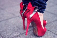 Unf, red suede shoes! And look at those bows, so cute.