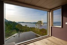 Mit ihren zahllosen Inseln und den über tausend Fjorden ist die norwegische Landschaft nicht nur äußerst beeindruckend, sie bietet...