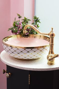 A close up look at our Aquitaine sink mixer in polished brass as seen in @pinkhousepins striking new shower room. Thanks to a deliberately unlacquered surface, the brass will take on a patina over time as it reacts with the environment and touch for a unique design 📸 @susieblowe #perrinandrowe #bathroominspiration #bathroomdesignideas #brassbathroomtaps #glamorousbathrooms #beautifulbathrooms #pinkbathrooms #brass #polishedbrasstap #polishedbrass Bathroom Sink Taps, Brass Bathroom, Bathrooms, Faucets, Edwardian House, Victorian Terrace, Downstairs Toilet, Water Features In The Garden, Pink Houses