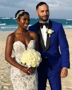 Absolutely gorgeous interracial couple at their beach wedding celebration Wedding Looks, Dream Wedding, Natural Hair Styles, Short Hair Styles, Interacial Couples, Black Bride, Beautiful Couple, Beautiful Bride, Wedding Couples