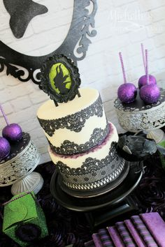 maleficent cake - Michelle's Party Plan-It Cakes by Fancy Cakes www.facebook.com/FANCYCAKES58