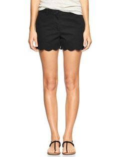 Sunkissed scallop-hem shorts Product Image