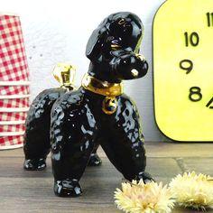 Caniche Noir Vintage Porcelaine - Porcelaine noire - Déco 1970 - Chien noir - Déco kitsch - Statue de chien - déco design - style