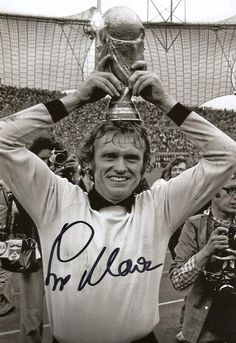 Sepp Maier SOCCER autograph InPerson signed photo * Have a look at this terrific item. (This is an affiliate link). School Football, Football Soccer, Fifa Games, World Cup Champions, Association Football, Most Popular Sports, Sports Stars, Best Player, Big Men