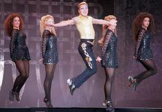 Michael Flatley Riverdance | Dansatorii companiei Michael Flatley's Lord of The Dance susţin un ...