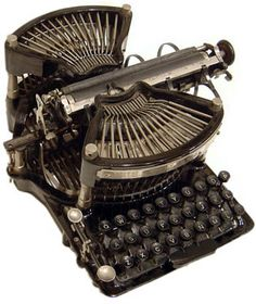 The Classic Typewriter Page : All About Typewriters Antique Typewriter, Vintage Television, Vintage Appliances, Unique Trees, Vintage Typewriters, Dieselpunk, The Good Old Days, Belle Epoque, Household Items