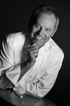 Wolfgang Puck's legendary flagship restaurant Spago, recognized for igniting Las Vegas's dining scene into a culinary epicenter. Will open its doors at Bellagio Resort & Casino in spring 2018. Marking 25 years since the fine-dining phenomenon debuted in Las Vegas. Puck's now revolutionary restaurant heralded the era of celebrity chefs and haute cuisine that continues to define the city's restaurant scene today.    The new restaurant will offer an elevated experience. Featuring an open-air…