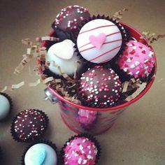 bucket of balls, cake balls, valentines day cake balls. www.cakeballers.com #thecakeballers #cakeballers #cakeballer #cakeball #bucket #valentinesday