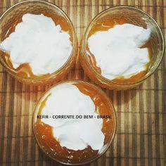 IOGURTE GREGO DE KEFIR COM GELEIA DE MANGA Kombucha, Camembert Cheese, Mousse, Low Carb, Desserts, Bananas, Navy, Greek Yoghurt Recipes, Homemade Greek Yogurt