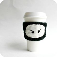Ninja Travel Mug To Go Cup Cozy black white crochet handmade cover by KnotworkShop