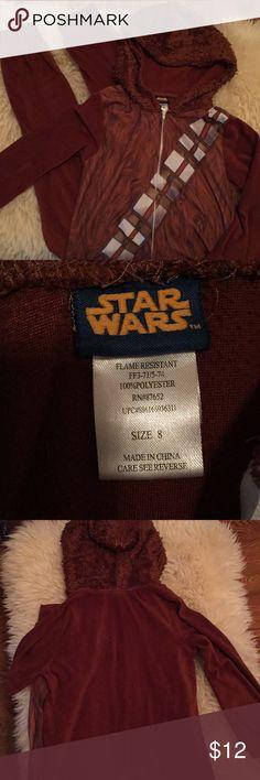 Boys Star Wars 1-piece zip up pajamas Star Wars Chewbacca onesie pajamas with good. Gently worn, non smoking home. 100% polyester. Star Wars Pajamas