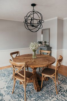 24 inspiring round pedestal dining table design ideas for your dining room 13 Table Reglable, Trestle Table, Wood Tables, Farm Tables, Side Tables, Farmhouse Dining Room Table, Farmhouse Furniture, Country Furniture, Dining Rooms
