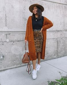 There's something about boho outfits that we'll always love. Maybe it's that they're a whole outfit in one, maybe it's their effortlessness, or maybe it's that they encourage us to twirl around. Maxi Cardigan, Leopard Cardigan Outfit, Cardigan Outfit Summer, Boho Summer Outfits, Cardigan Outfits, Modest Outfits, Classy Outfits, Fall Outfits, Casual Outfits