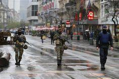 Belgia - mulig angrep kan skje i de kommende dagene Hump Day Humor, Brussels Airport, Paris Attack, World Cities, New York Post, Eindhoven, Travel News, Another World, Rotterdam