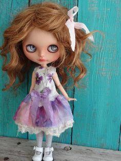 Blythe doll outfit *Spring violets* OOAK vintage embroidered dress