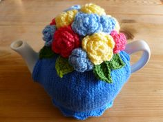 Floral Hand Knit Tea Cosy Blue ♡ by FeatherAndFlip on Etsy