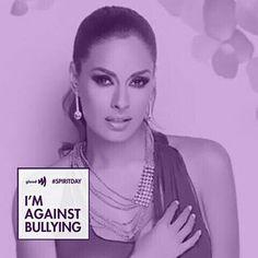 Con orgullo participo en #SpiritDay Me visto de morado para demostrar que estoy en contra del acoso y apoyo a los jóvenes LGBT