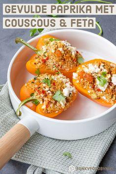 Gevulde paprika's met couscous & feta - FunkyFood by Niki Vegan Dinner Recipes, Vegan Dinners, Healthy Recipes, Healthy Food, Feta, Ras El Hanout, Vegan Curry, Homemade Pesto, Clean Eating