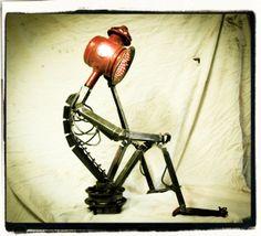 lampe EVIN en métal par l'ATELIER d'RV (Hervé Remy)