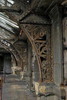 Atrium abandonado... Lindo demais!
