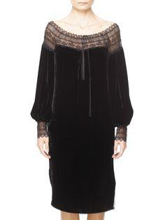 rochie-bizantina_01 Beautiful Blouses, Beautiful Gowns, Romanian Women, Apocalyptic Fashion, Lace Outfit, Embroidery Fashion, Girls Be Like, Sewing Clothes, Nightwear