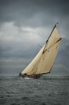 """Mariquita"" - 1911 William Fife Son, Fairlie - 19-Metre Gaff Cutter. Photo by Roger McCallum"