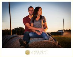 Land O Lakes, Fiancés, Bride-to-be, Engagement portraits, Park Engagement Sessions. Limelight Photography, www.stepintothelimelight.com