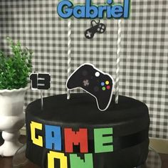 13th Birthday Parties, Birthday Games, 11th Birthday, Video Game Cakes, Video Game Party, Video Games, Bolo Xbox, Playstation Cake, Xbox Party