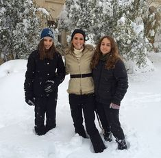 Queen Rania and daughters - December 2013