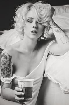 Addiction by JosefinaPhotography on DeviantArt Hot Inked Girls, Tattoed Girls, Coffee And Cigarettes, Tattoo Models, Female Characters, Beauty Women, Addiction, Deviantart, Beautiful