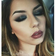 Look created using starcrushedminerals eyeshadow  GraySkies along with litcosmetics glitter in Superfly.